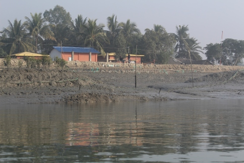 Active river bank shifting towards settlement in Kultali block